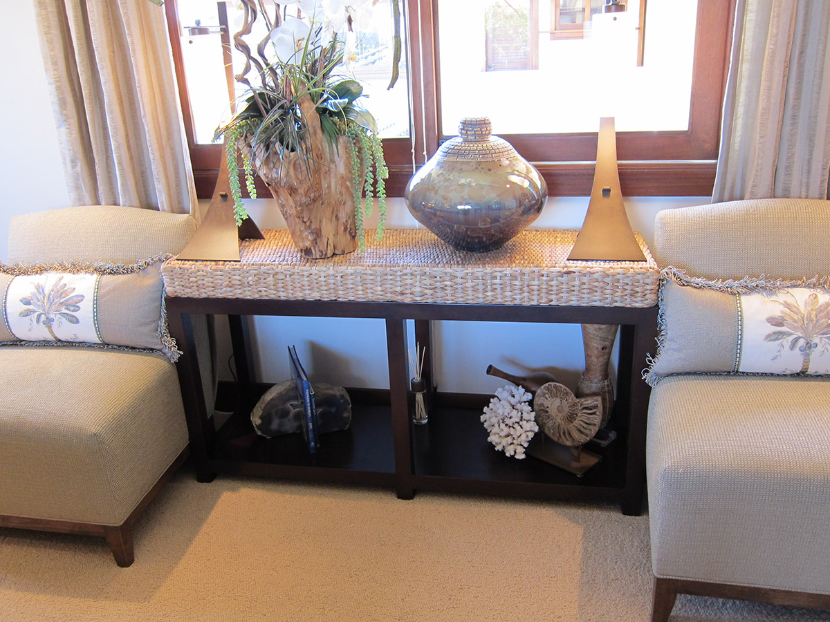 Tropical Style Living Room Design Side Table