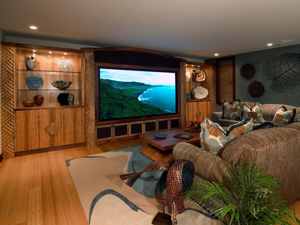 Lanai Living room with tv